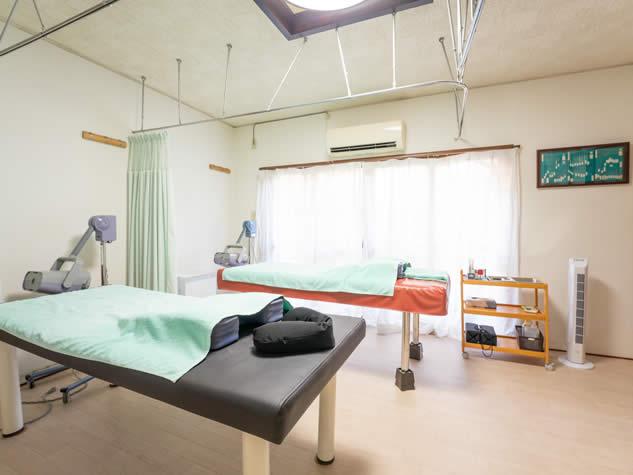 京都市西京区桂駅すぐの北京堂鍼灸院京都の施術ルーム